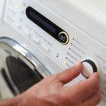 Как стирать пуховик? Особенности ручной стирки и использования стиральной машины